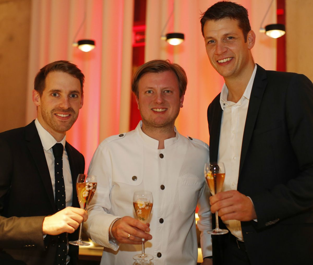 Drei Sterne Koch Kevin Fehling Feierte Mit Dem Champagnerhaus Perrier Jouët    Textschwester